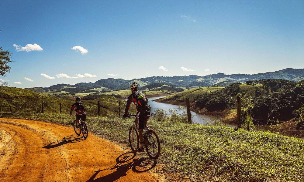 ¿Cómo circular en bicicleta con seguridad?